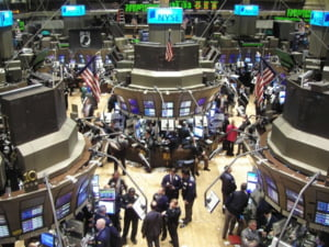 Bursa londoneza se stabilizeaza dupa scaderea accentuata din deschidere