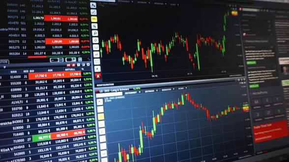 Bursele globale sunt in degringolada, din cauza temerilor privind escaladarea razboiului comercial
