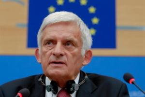 Buzek: Masurile de austeritate, un medicament pe care trebuie sa il inghiti desi e neplacut la gust