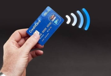 Buzunaritul digital: Cum iti fura banii de pe card fara sa te atinga