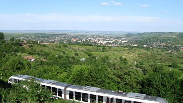 CFR Calatori incearca o noua strategie: bilete de tren low-cost. Vezi preturile si destinatiile