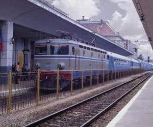CFR ameninta cu blocarea trenurilor daca li se reduc salariile cu 25%