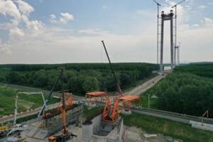 CNAIR sustine ca infiltratiile de la Podul suspendat peste Dunare nu pun in pericol finalizarea proiectului