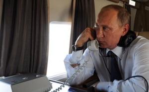 Cadou de Anul Nou pentru 1.000 de oficiali rusi: Carte cu citate profetice din Putin