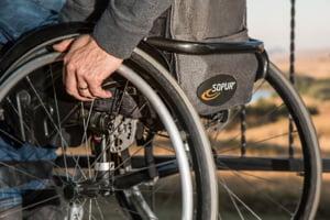 Camera Deputatilor: Persoanele cu handicap pot beneficia complet de participarea la viata sociala si economica