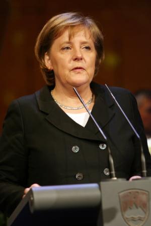Cancelarul german, Angela Merkel, nu va da cecuri in alb bancilor