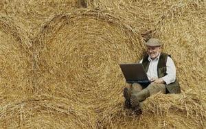"Cand vom avea ""internet rural""? Cand satenii vor avea PC-uri si telefoane inteligente"