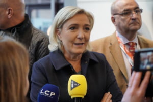 Candidata extremistilor din Franta conduce in sondajele pentru prezidentiale