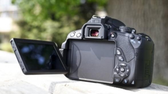 Canon EOS 650D, rechemat pentru un cauciuc ce poate irita pielea