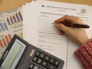 Capcana reesalonarii creditului: ai rata mai mica, dar platesti mai mult!