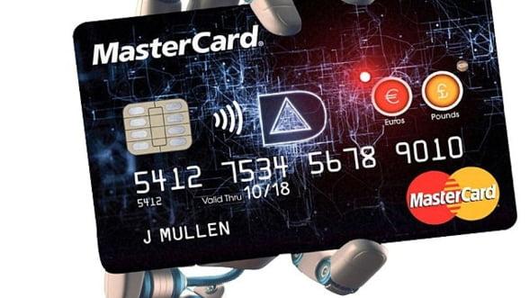 Cardul de credit, un minicomputer la purtator. Cum vom face platile in viitor