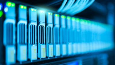 Care sunt beneficiile unui pachet de servere VPS cu virtualizare KVM?