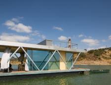 Casa de vacanta plutitoare: Descopera peisaje noi in fiecare zi