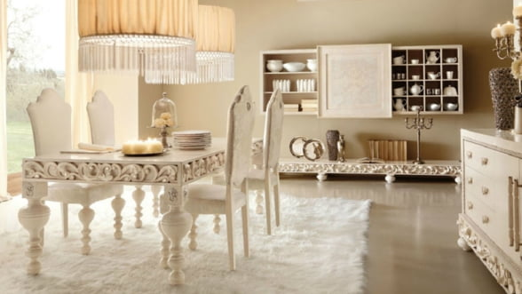 """Casa ta in stil glamour: """"less is a bore"""""""
