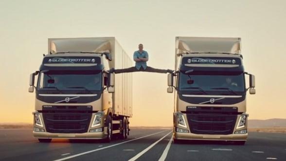 Cascadorii riscante a la Van Damme in cel mai nou pitch Volvo