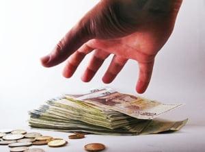 Castigurile mai mari de 1 milion ale bancherilor, raportate la UE