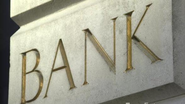 Cat de departe sunt bancile din Romania de gloriosul 2008