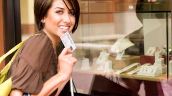 Cat de mult ne costa confortul cardului bancar in strainatate