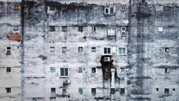 Cat de saraci suntem, de fapt: Jumatate din populatia Romaniei nu are bani pentru incalzire, schimbarea incaltamintei sau internet