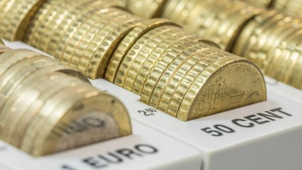 Cati bani au pierdut grecii in vacanta bancara