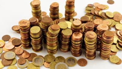 Cati bani trebuie sa economisesti lunar pentru a strange 100.000 de lei in 20 de ani