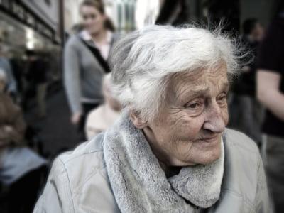 Cati pensionari are Romania si cu ce venituri traiesc ei