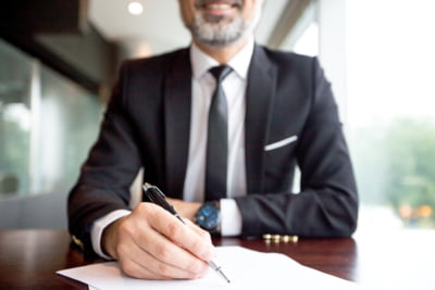 Cauti un avocat de Drept Comercial? Apeleaza la specialistii casei de avocatura NZA!