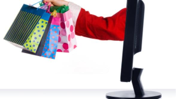 Ce au cumparat online romanii, inainte de Craciun: cadouri-cupoane si vacante