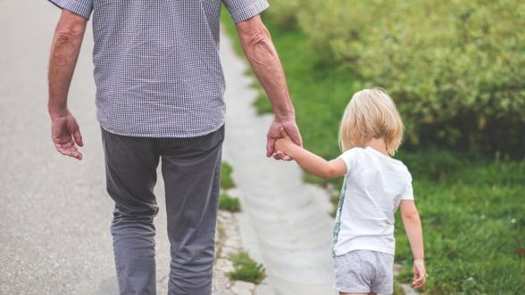Ce este de facut cand goana dupa bani afecteaza familia? Sfatul psihologului