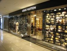 Ce fac turistii chinezi in Europa: Viziteaza magazine de lux, nu muzee