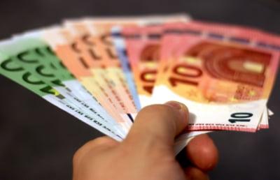 Ce faci când ai nevoie să împrumuți o importantă sumă de bani, însă salariul tău nu este suficient de mare