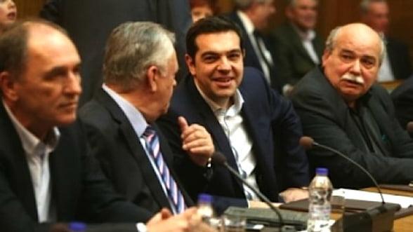 Ceasul ticaie pentru Grecia. Vor reusi elenii sa faca fata acestei saptamani de foc?