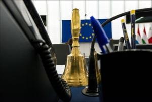 Cel mai ambitios acord al UE mai are de asteptat. Parlamentul European amana semnarea CETA
