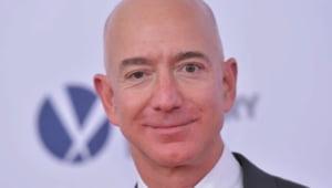 Cel mai bogat om din lume a vandut intr-o singura saptamana actiuni de trei miliarde de dolari