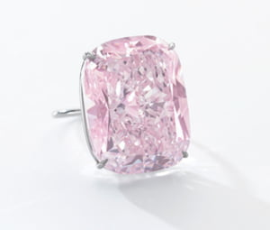 Cel mai mare diamant roz din lume, scos la licitatie. E estimat la 30 de milioane de dolari