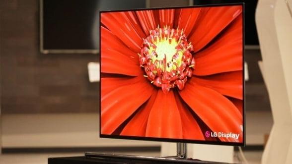 Cel mai mare televizor OLED din lume: 139,7 cm