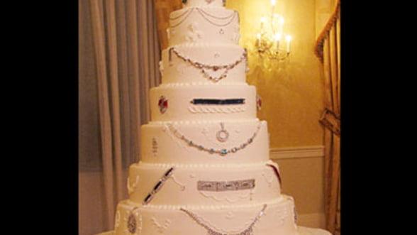 """Cel mai scump tort din lume """"poarta"""" bijuterii de 30 milioane de dolari"""