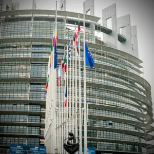 Cel putin 50 de europarlamentari au fost furati in timpul carantinei impuse de COVID-19. Hotii le-au spart birourile din Parlamentul European