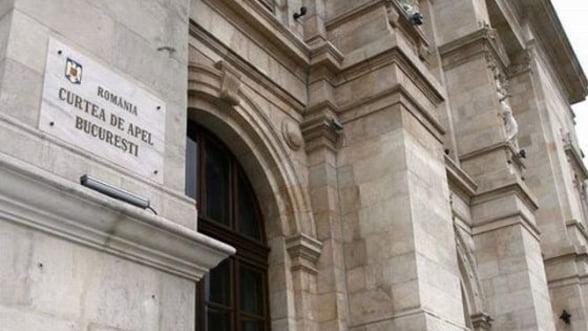 Cele 16 persoane din dosarul fraudelor bancare de la Sintesti raman in arest preventiv