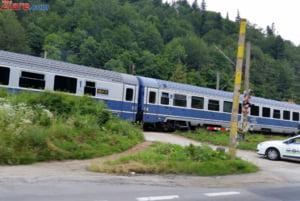 Cele doua trenuri plecate din Timisoara duminica au ajuns la Mangalia dupa 30 de ore