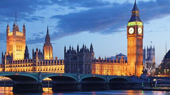 Cele mai bogate 10 cartiere din Londra valoreaza mai mult decat Scotia