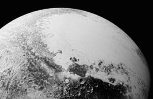 Cele mai noi imagini de pe Pluto arata o lume cum nu s-a mai vazut in sistemul nostru solar