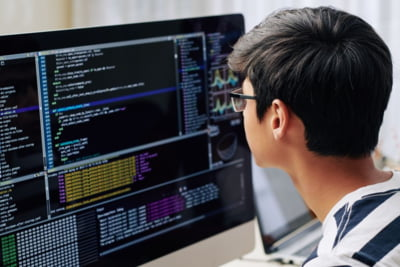 Cele mai populare jocuri pentru copii ii atrag pe elevii din toata tara sa invete programare la prima scoala de vara organizata online de Academia Micilor Developeri