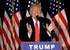 Cercetatorii au iesit in strada cu un mesaj pentru Trump: Fa America inteligenta din nou!