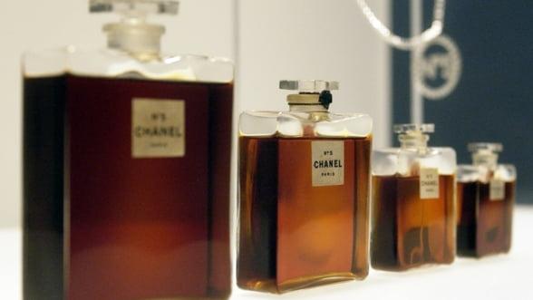 Chanel si Dior, nevoite sa modifice compozitia parfumurilor
