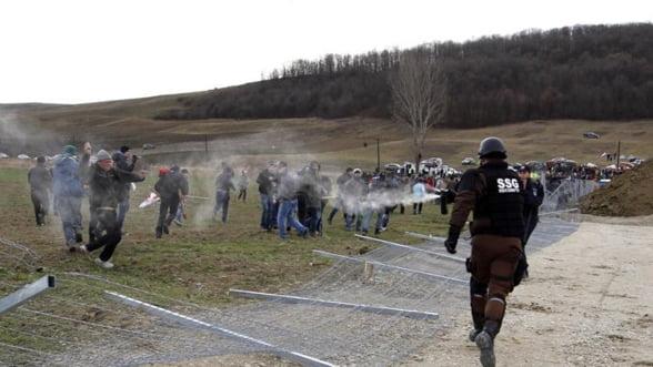 Chevron a facut plangere la Politia Vaslui pentru distrugerile provocate de protestatari