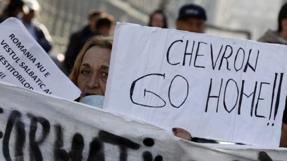 Chevron atacat in instanta de ONG-uri care cer anularea acordurilor de explorare