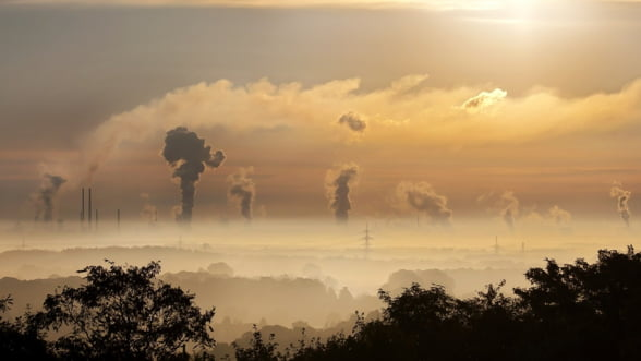 China deschide in ritm alert termocentrale pe carbune, cand alte tari le inchid din cauza poluarii uriase