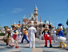 China pune la pamant 150 de fabrici pentru Disneyland Shanghai