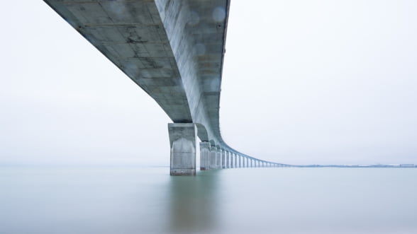 Chinezii au inaugurat cel mai lung pod maritim din lume, intre Hong Kong si continent